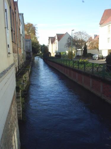 Canal de Troyes.JPG