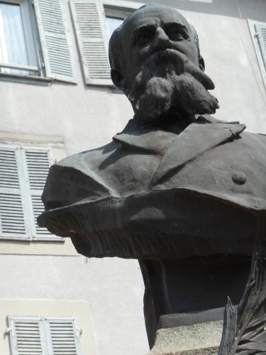 Même buste du Dr Parrical de Chammard.JPG