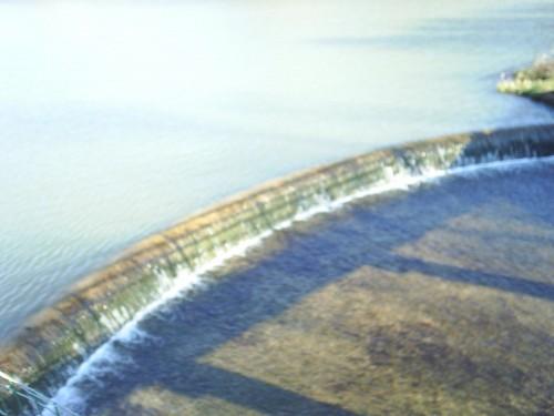 Le petit barrage à sa mémère.JPG
