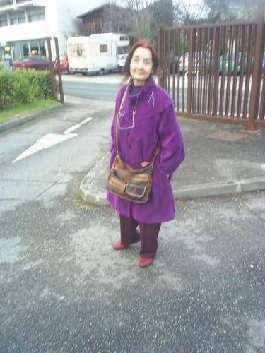 Violette au parking.JPG