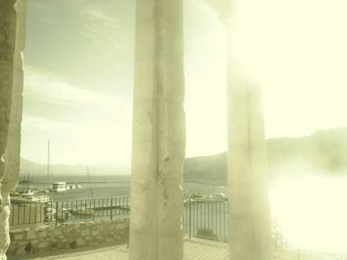 Colonne grecque en plâtre.JPG