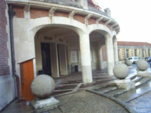 La mairie de Bordeaux-Bastide.JPG